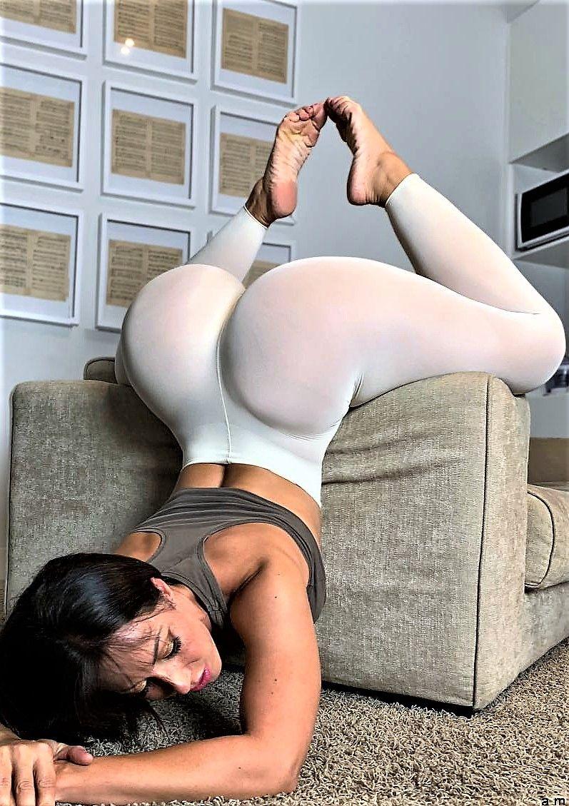 Black Girl Eats White Ass