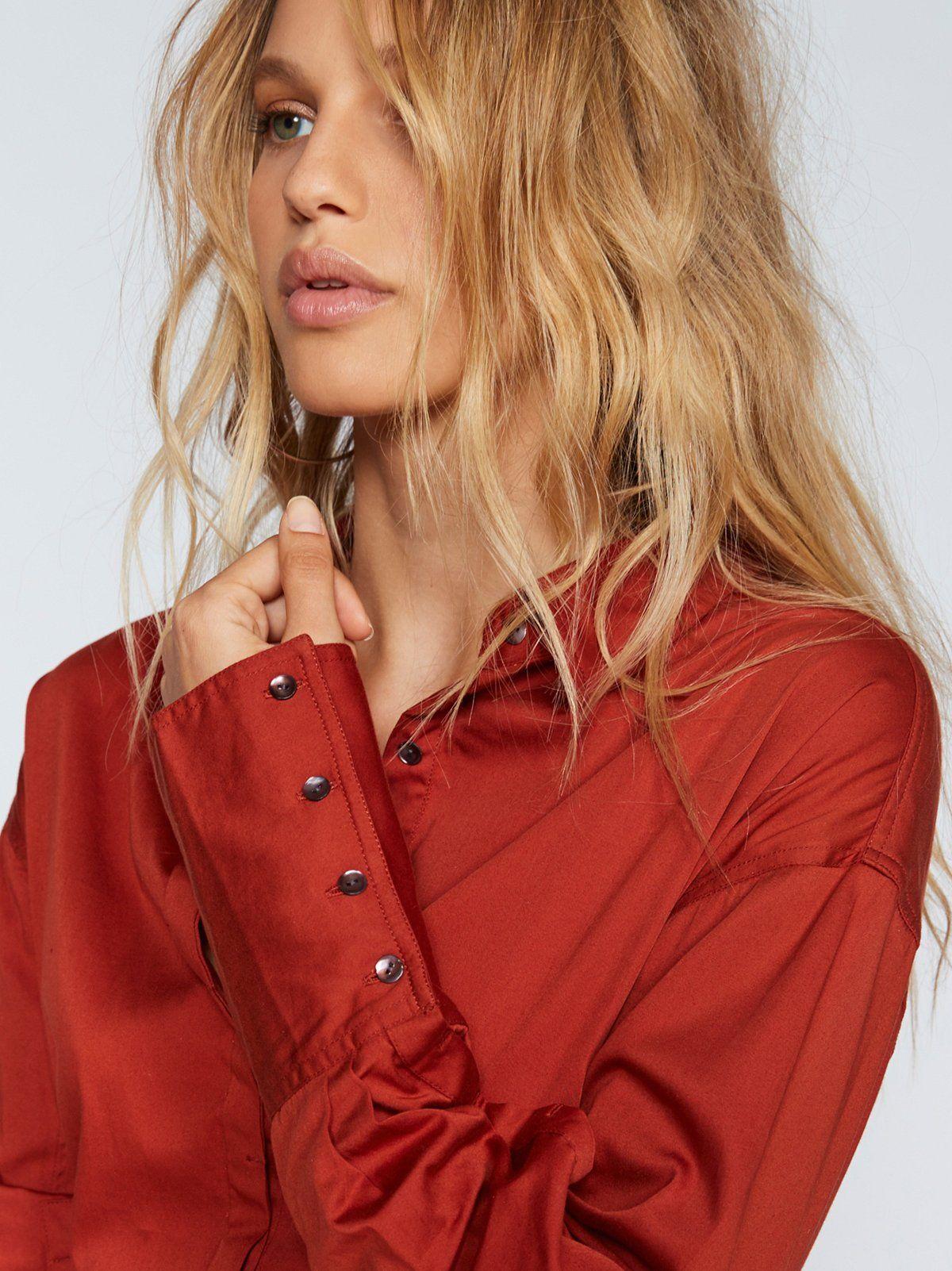 Hook shirt dress oversized shirtdress featuring a belt detail at