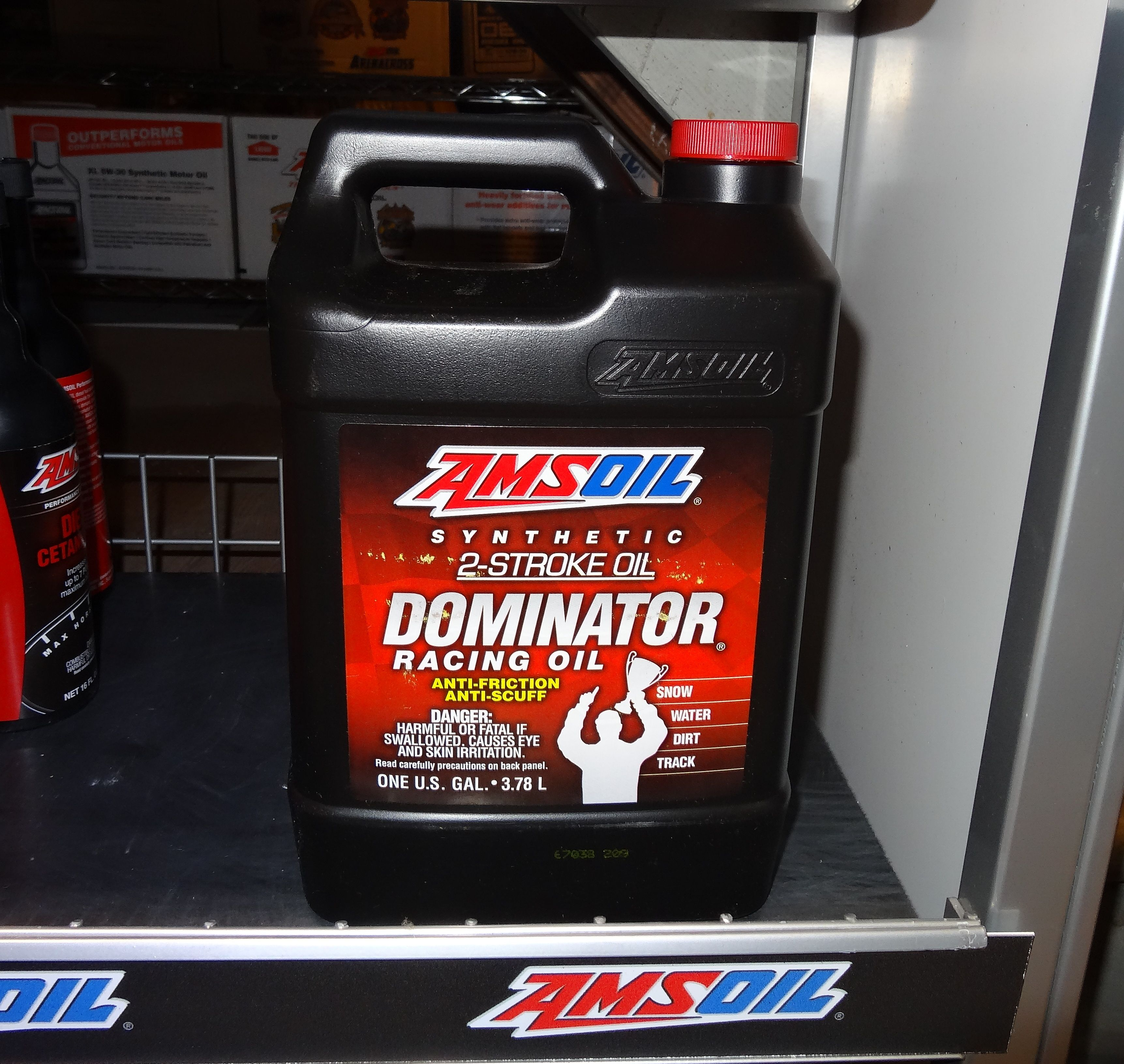 Dominator Synthetic 2 Stroke Racing Oil Racing Performance