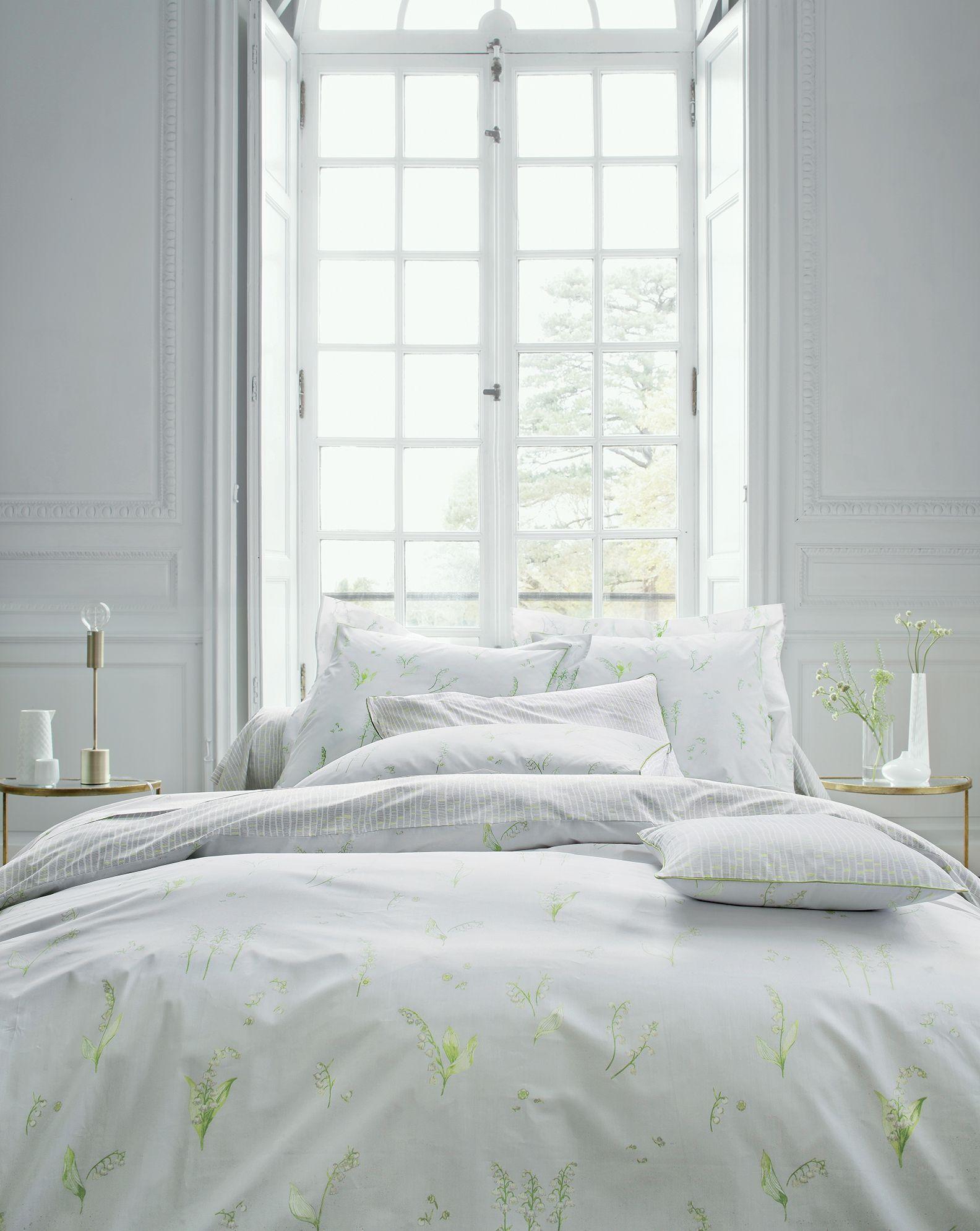 e2187323dc06ec Un doux air printanier dépose sur votre lit des brins de muguet sur ...