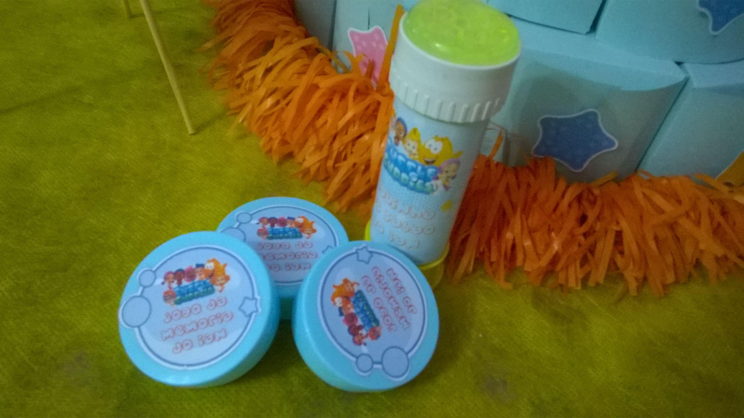 Jogo da memória e bolinha de sabão Bubble Guppies