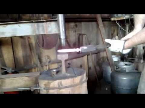 iniciando faca de mola de trem - YouTube