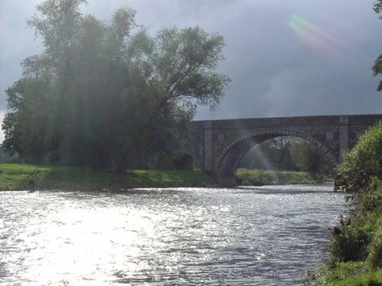 How to stay safe while fishing #fishing #ardmoor #safety http://www.ardmoor.co.uk/blog/2014/december/do-not-drown-when-catching-fish