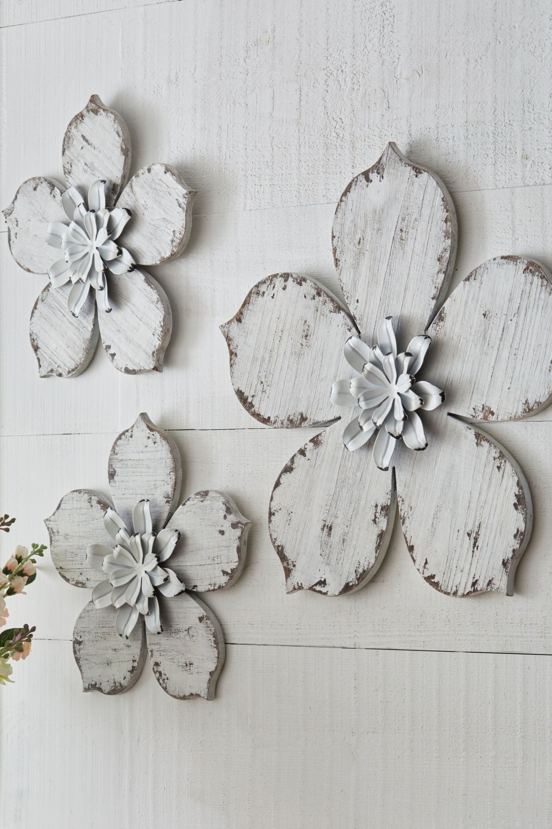 Next Set Of 3 Wooden Flower Plaques White Wooden Flowers Metal Flowers Decorative Accessories