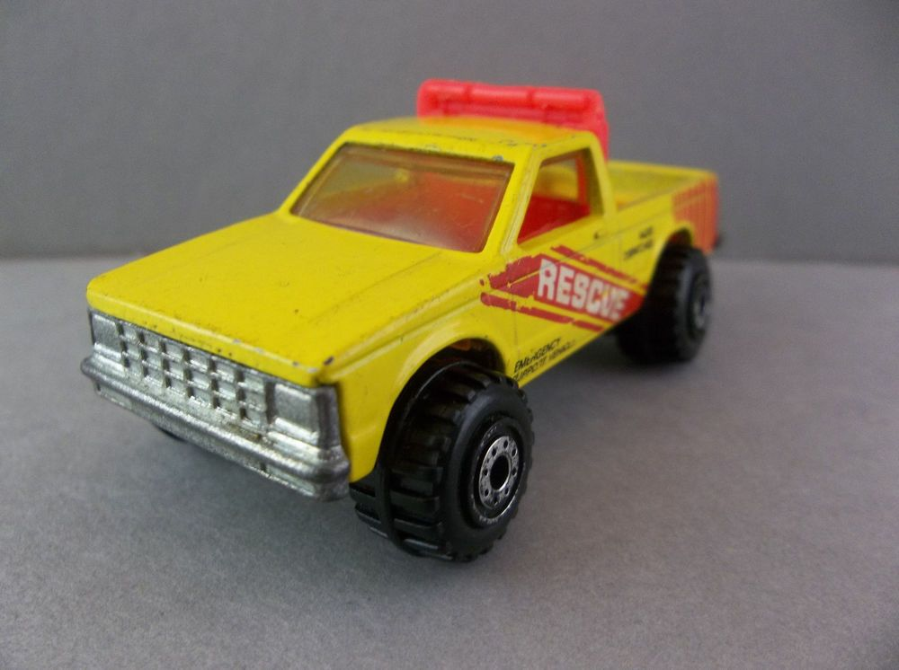 Hot Wheels 1982 Ford Ranger Yellow Emergency Support