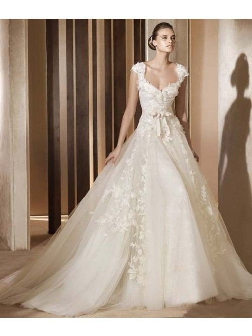Perfect Romantic Ball Gown V neck Tulle Lace Applique Wedding Dress