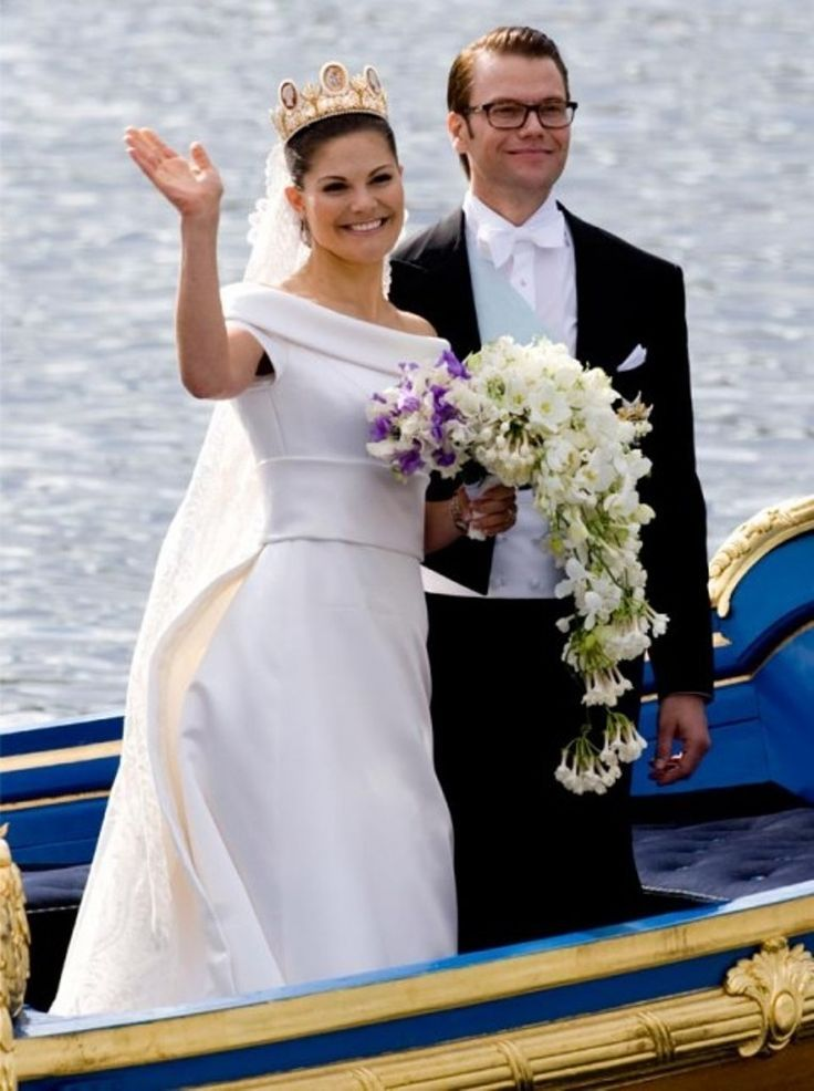 Crown Princess Victoria of Sweden & Daniel Wrestling | Yes ...