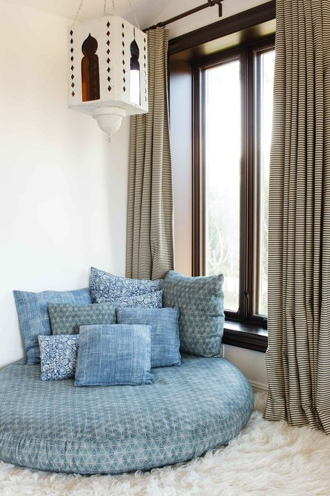 12 Mesmerizing Moroccan-Style Interiors
