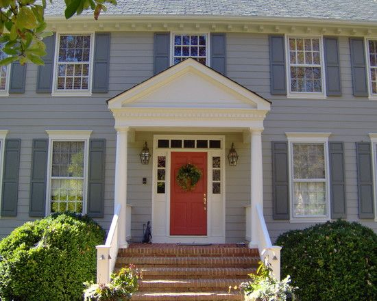 Traditional Front Doors With Sidelights And Transom Design Pictures Remodel Decor And Ideas Page 13 Colonial Exterior Exterior House Colors Portico Design