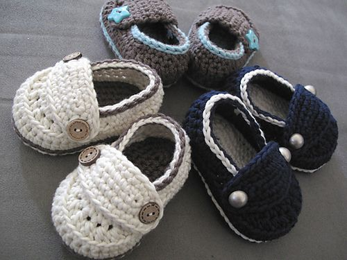 Little button Loafers (FP by Loopy) ~direct pattern $ http://www.ravelry.com/patterns/library/little-button-loafers-baby-booties