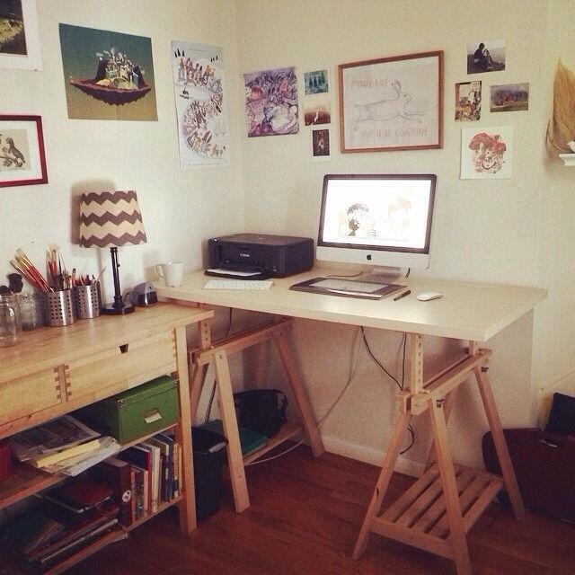Cute studio set up!!  http://chuckgroenink.tumblr.com/post/93616453872/we-moved-into-a-new-place-this-week-and-i-finally