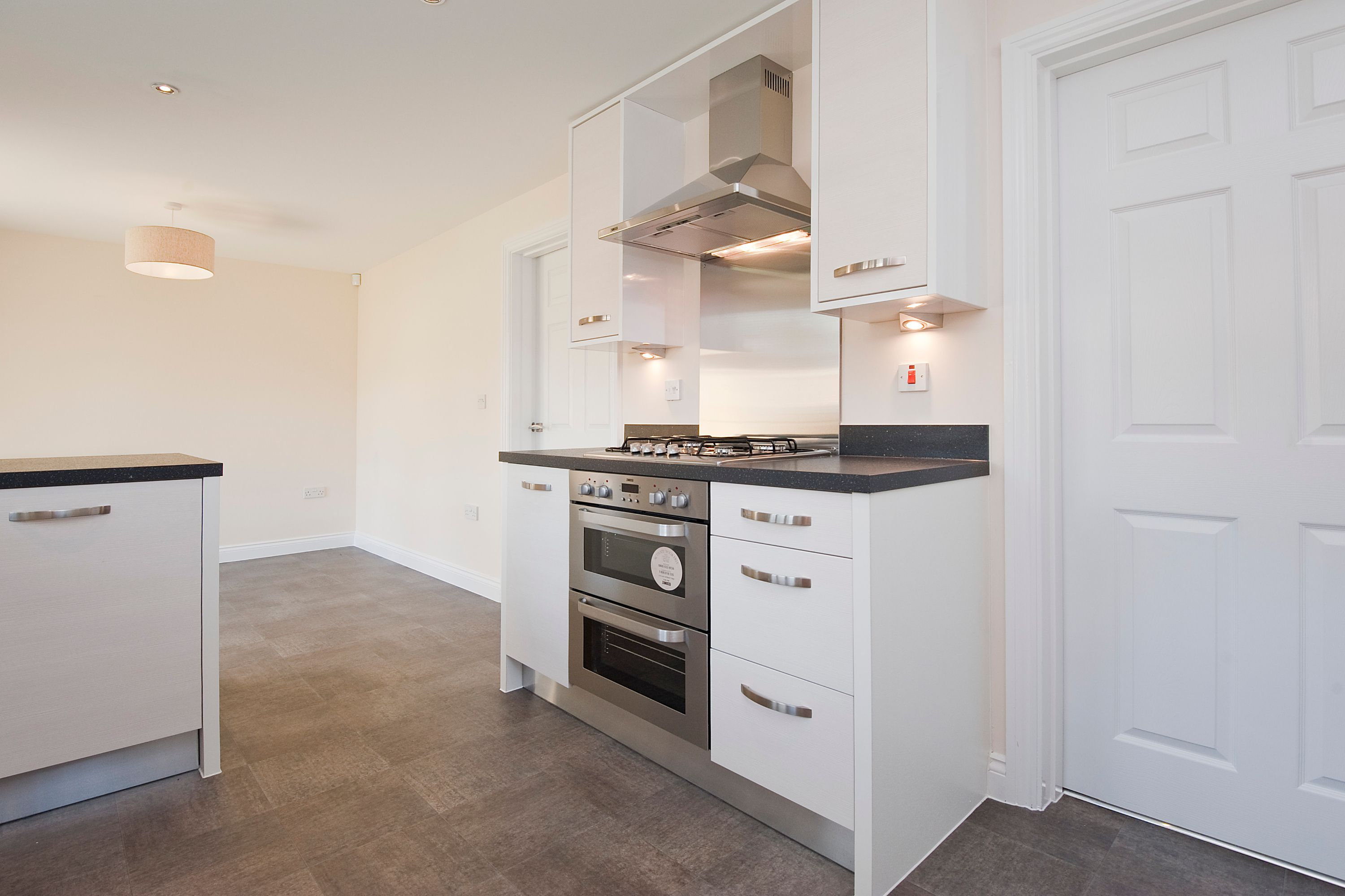Spacious kitchen diner comes with this great stainless steel oven, hob and extractor combo