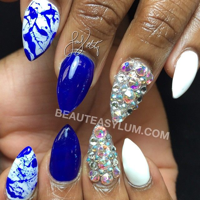 Splatter nails. To book an appointment call 4193899110 or stop by 2011 Glendale ave. toledo Ohio  click on www.beauteasylum.com in my bio☝️ for complete pricing info #beauteasylum #lavette #nails #nailart #naildesigns #nailartdesigns #toledo #ohio  #toledonailtech#nailsmagazine#toledonails