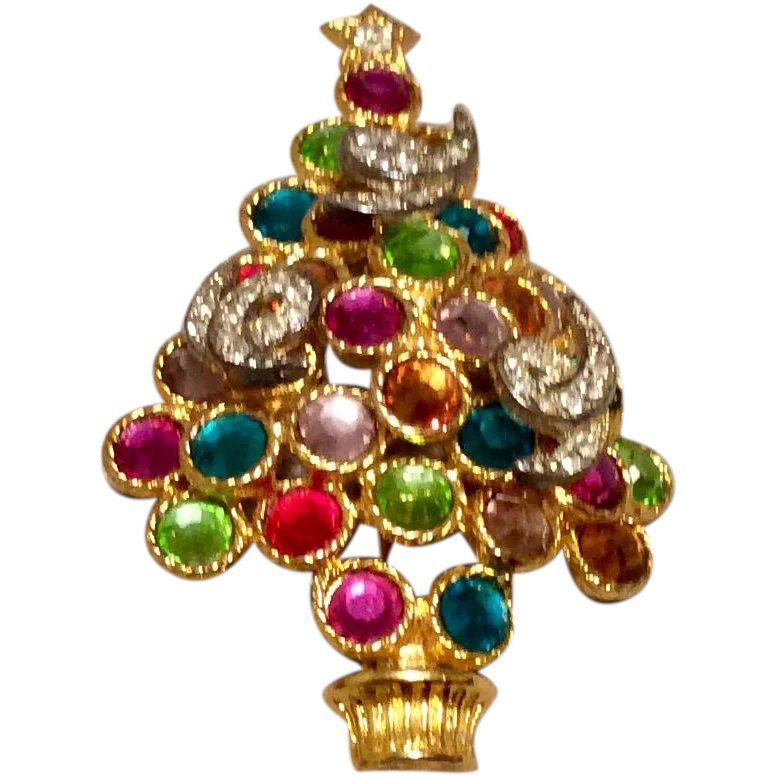 Christmas Brooches And Pins.Rhinestone Christmas Tree Brooch In 2019 Christmas Pins