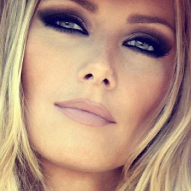 #WCW! Brigitte is an icon in our eyes. A true master of the smokey eye. #brigittebardot #THEARTOFGLAMOUR