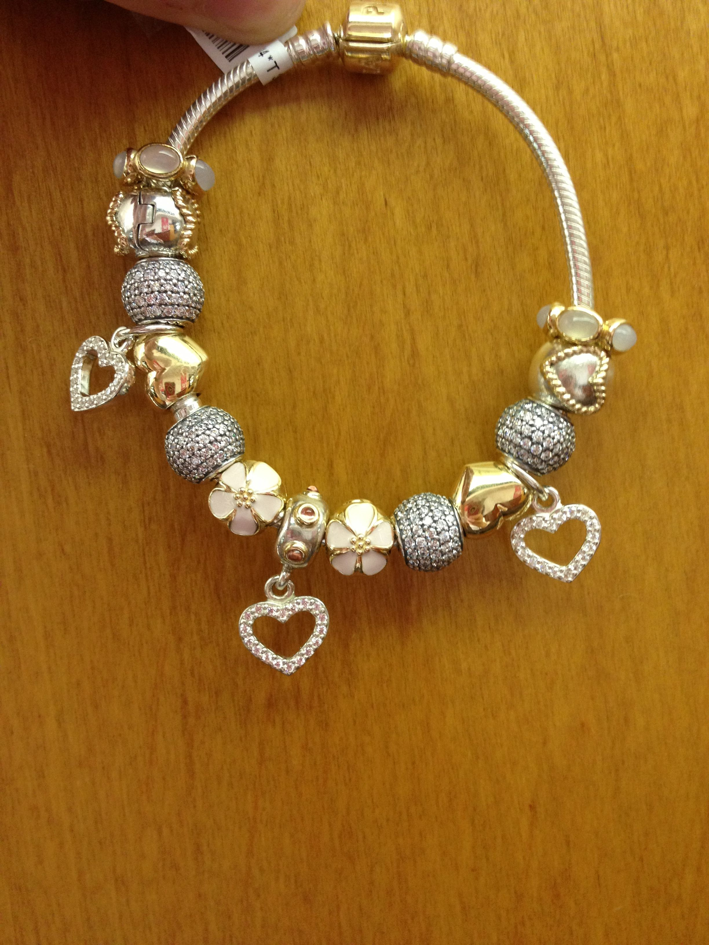dec8b2ef2 While I would never buy a finished bracelet, and the only pattern to mine  is parts of my life story ~ this is very pretty ♥