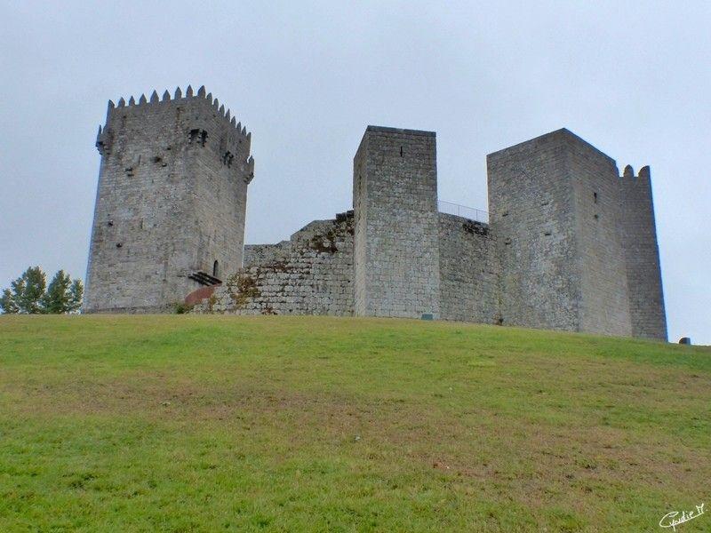 """Montalegre era uma terra muita importante na Idade Média, dado a sua localização estratégica em Portugal perto da Fronteira. Começamos com o topônimo Montalegre que deriva do latim """"mons alegre""""o ..."""