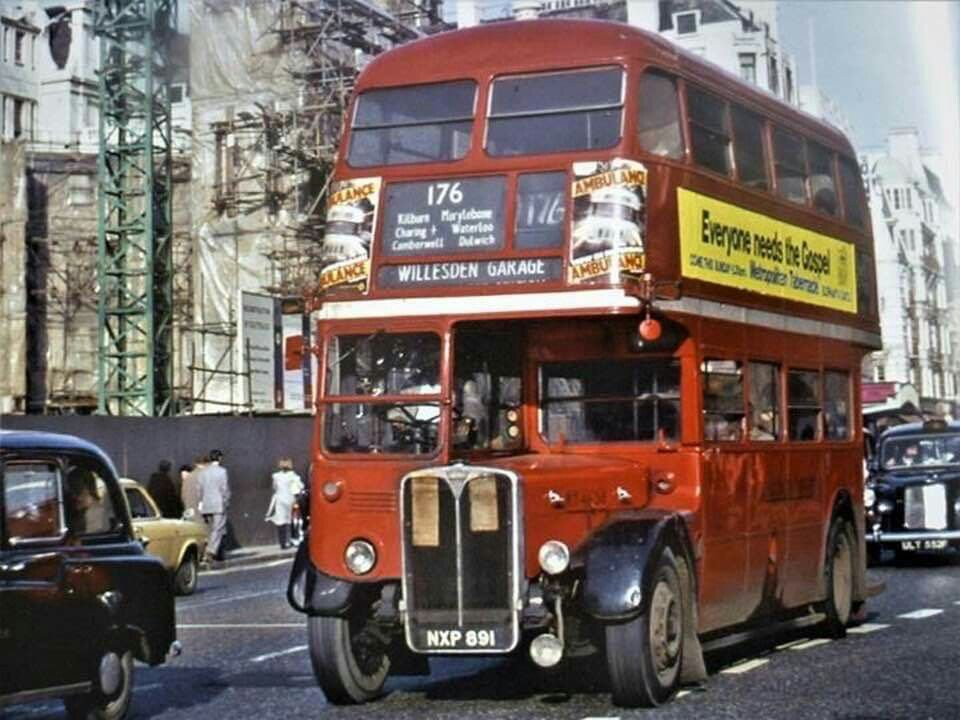 Pin By Lovesunou On Buses In 2020 London Transport London Bus Bus Coach