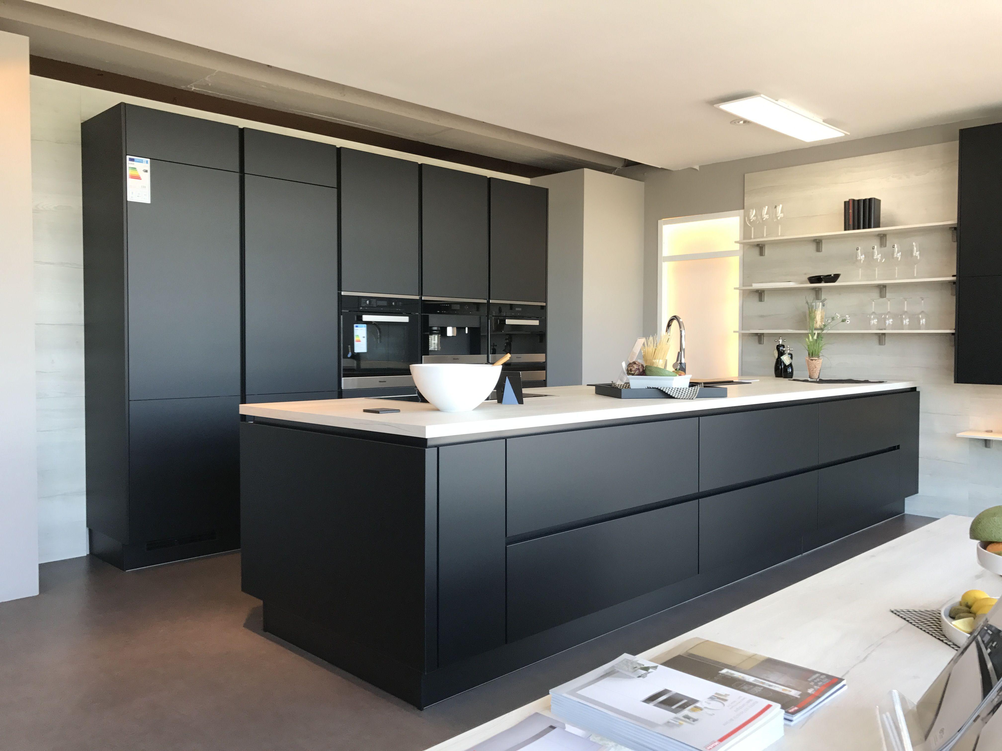 plan de travail nobilia en u with plan de travail nobilia trendy la cuisine qui vous va with. Black Bedroom Furniture Sets. Home Design Ideas