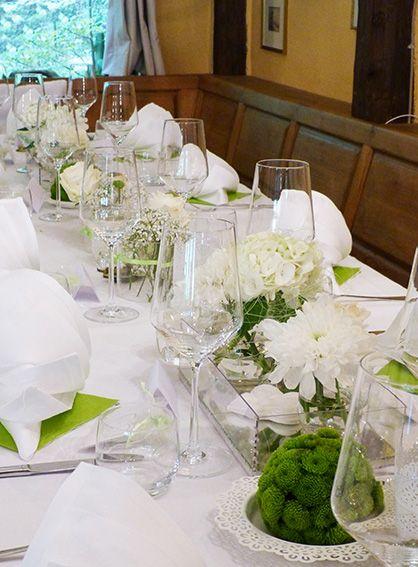 Tischdeko In Grun Weiss Landhaus Stil Kensington Red Pinterest