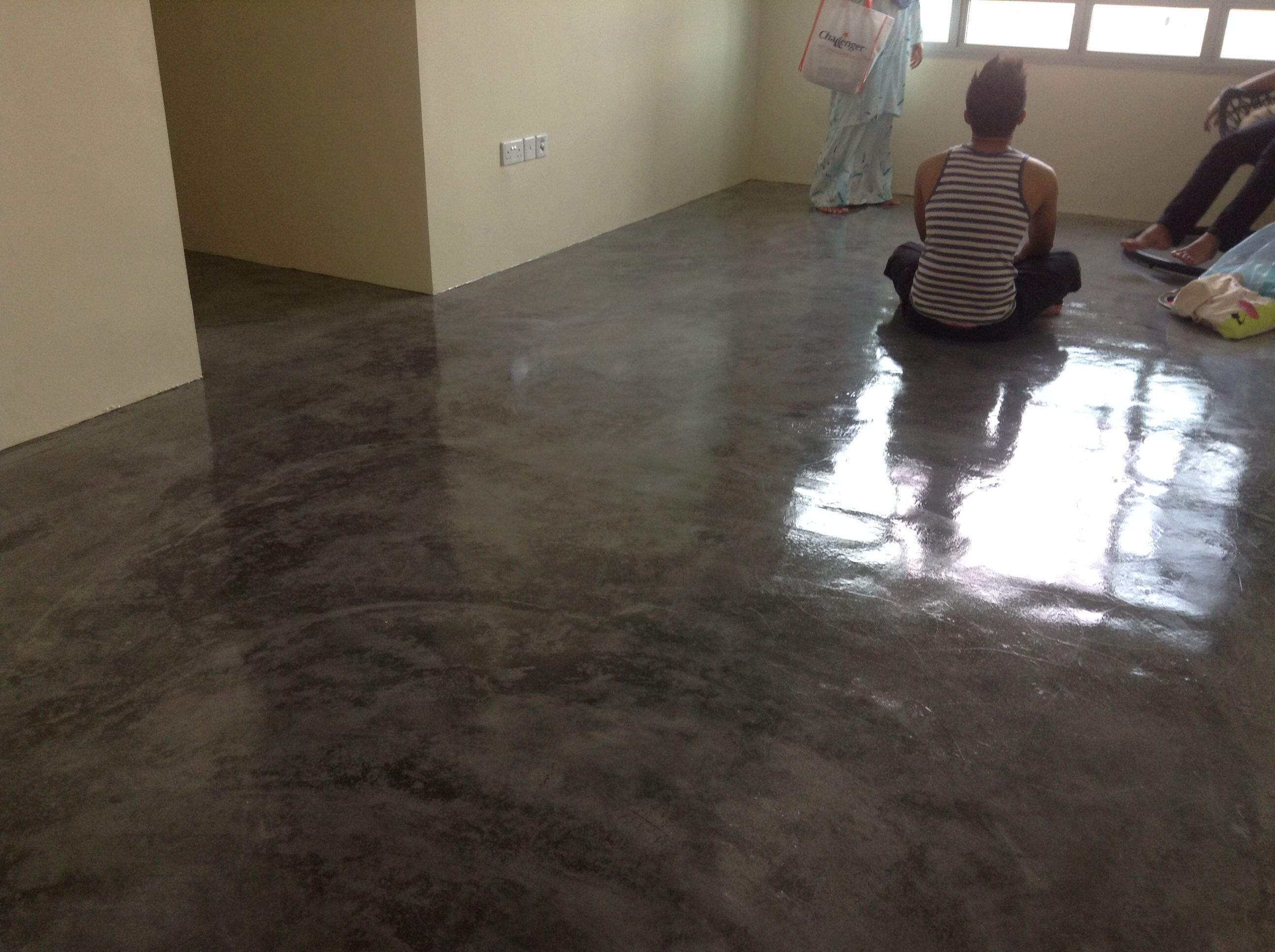 My Super Cool Concrete Screed Floor With Epoxy Clear Paint So In