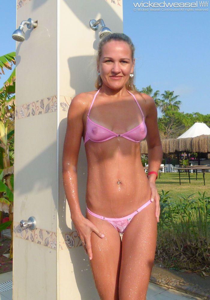 Bikini contributor micro