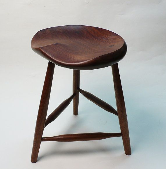 Black walnut tripod stool 18 small for guitar by for Taburete para tocar guitarra
