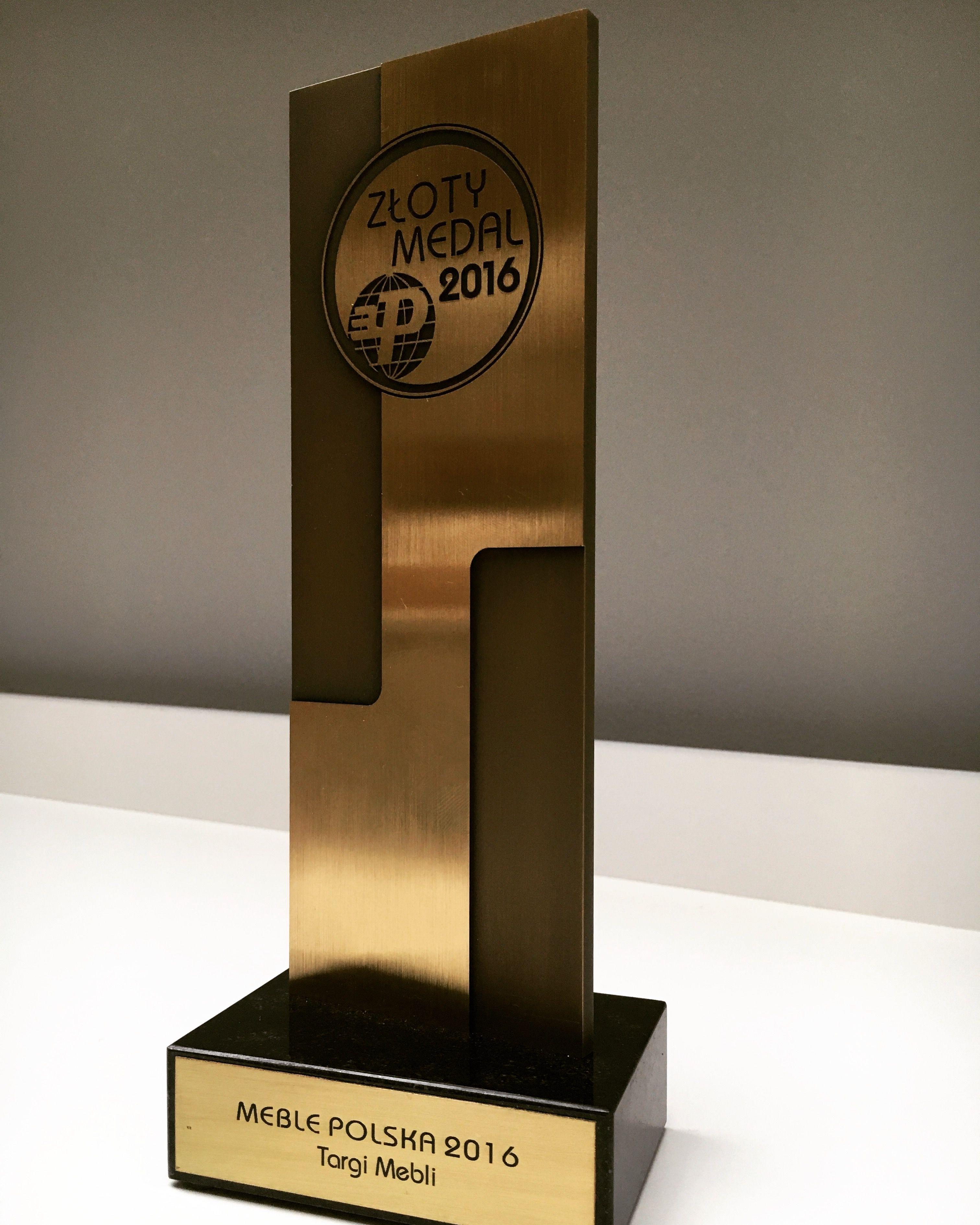 Złoty medal MTP za półkotapczan CONCEPT PRO #mtp #targipoznanskie #targimeblepolska #zlotymedal