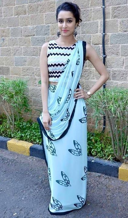 8240c5f34e923 Shraddha Kapoor s desi look in the promotion of  ABCD2 during the auditions  of  Indian Idol Junior 2
