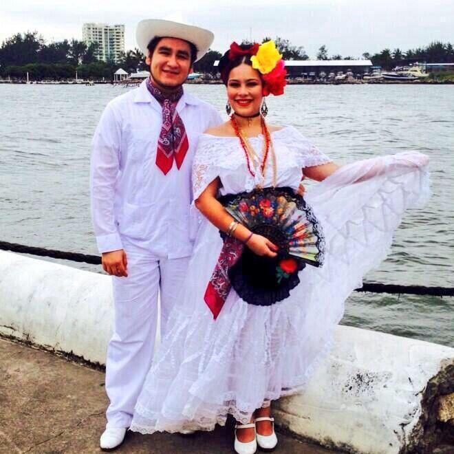 Vestuario Regional De Veracruz Trajes De Mexico Veracruz Disfracez