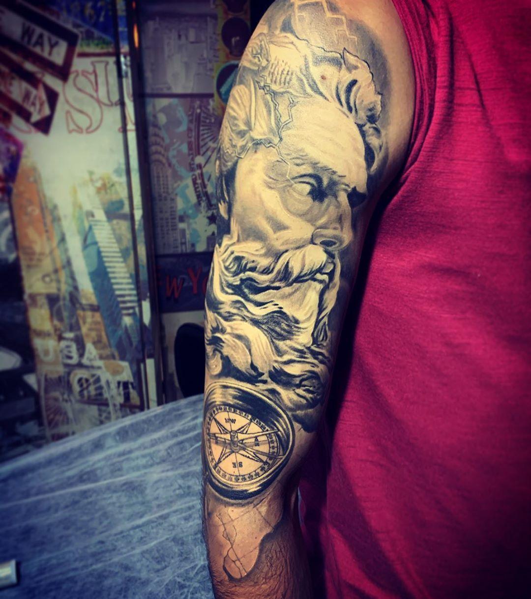 Cicatrizado - healed - curado...há quase 1 ano.. . 💥Orçamentos pelo Direct 📥. #tattoo #inspirationtattoo #tats #tatuagem #tatuagens #tattooartist #tattoodo #realistictattoo #catrina #tatuadoresbrasileiros #tattoo2me #tattoois #realistictattoo #realistic #realisticink #blackngrey #blackngreytattoo #dynamicink #victorralphtattooartist  @sullenclothing @skinart_mag @inspirationtattoo @inspiredtattoos @equilatterart @tattoodo @hornettattoo_oficial