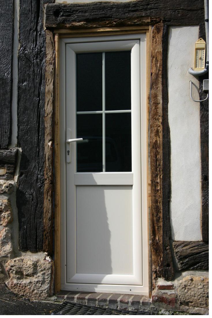 Maison A Poutres Apparentes Avec Porte Moderne Entree Classique Fenetre Pvc Porte Entree Maison