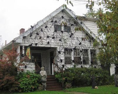 HALLOWEEN DECORATIONS / IDEAS U0026 INSPIRATIONS: Crazy Spider House Outdoor  Halloween Decorations   CotCozy