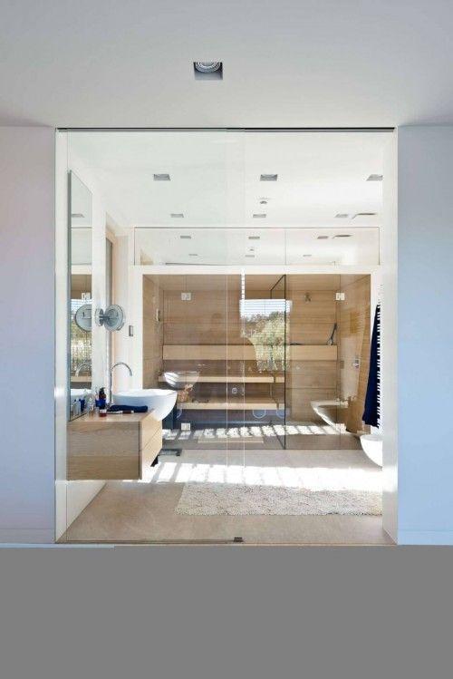 Luxe moderne badkamer met sauna | Villa de luxe | Pinterest