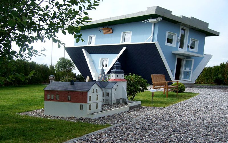 """Verrücktes Hause crazy house """"Welt steht Kopf"""" in"""