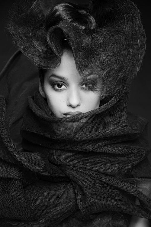 Knitted top. Hair stylist: Evelina Fransson, Makeup: Isabell Fransson. Model: Patricia Johansson Potographer: Dani Abunar. Designer: Lisa Viola Setterberg