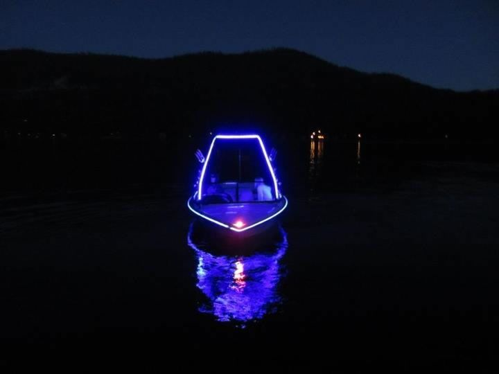 On lake tahoe joshua root 39 s boat livens the night with for Best light for night fishing