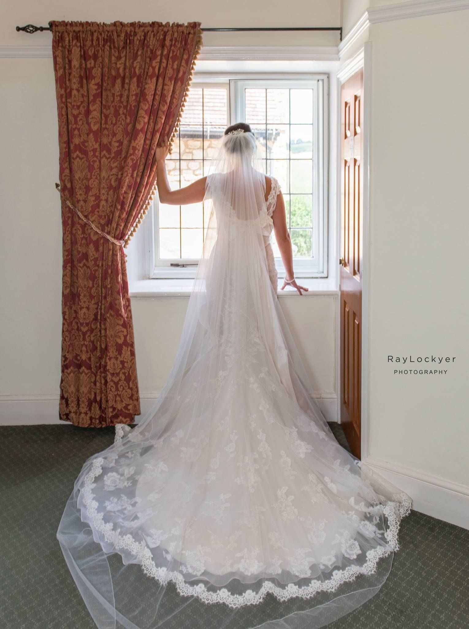 Ray Lockyer Yeovil Wedding Photographer - Our Bride waits for Dad to ...