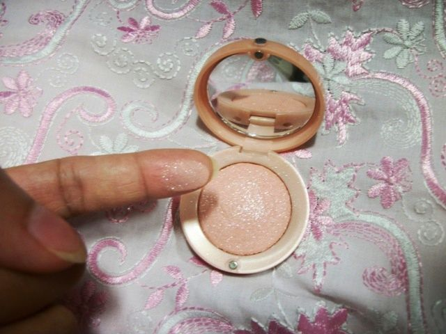 Eye Primer 24H Eyeshadow Base by Bourjois #20