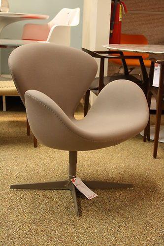 Swan Chair Arne Jacobsen Fritz Hansen Modern Dwr Design Within Reach