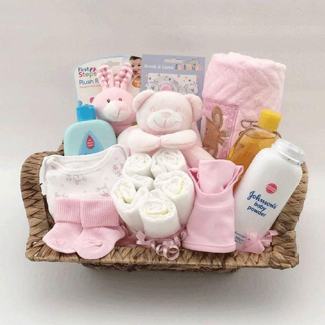 ارقى هدايا للام والمولود الجديد وحفلات أعياد الميلاد هاند ميد وباسعار مميزة للتواصل عالحساب Specail Gifts Baby Girl Newborn Baby Powder Diaper Cake