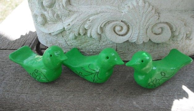 3 hand sculpted polymer clay BIRDS ...... Apple GREEN ..... $15.00, via Etsy. Goose, could you make these for me??? In blue???