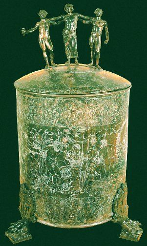 Ancient Roman jewelry casket