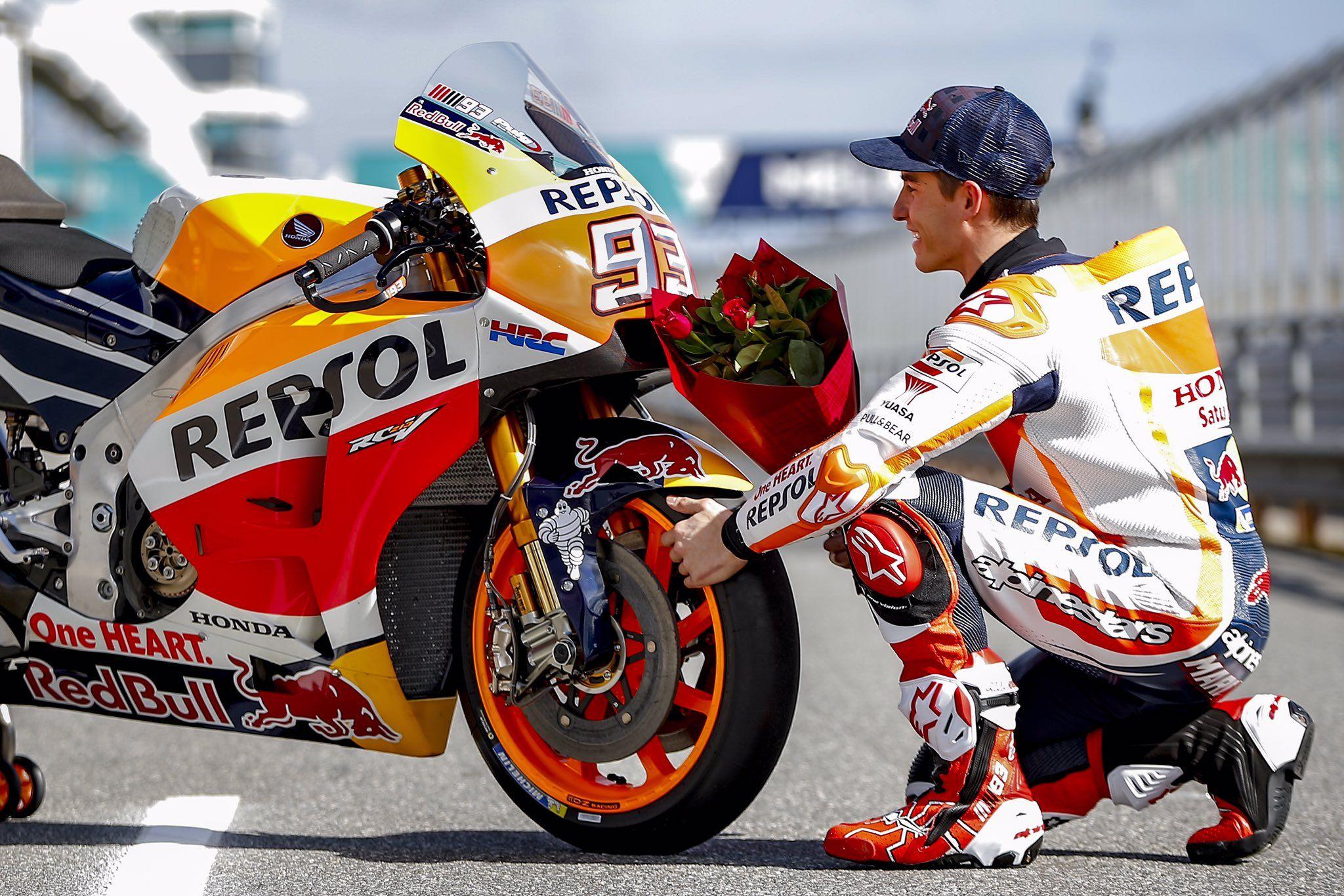 Marc Marquez On Marc Marquez Motos Deportivas Y Feliz Dia De