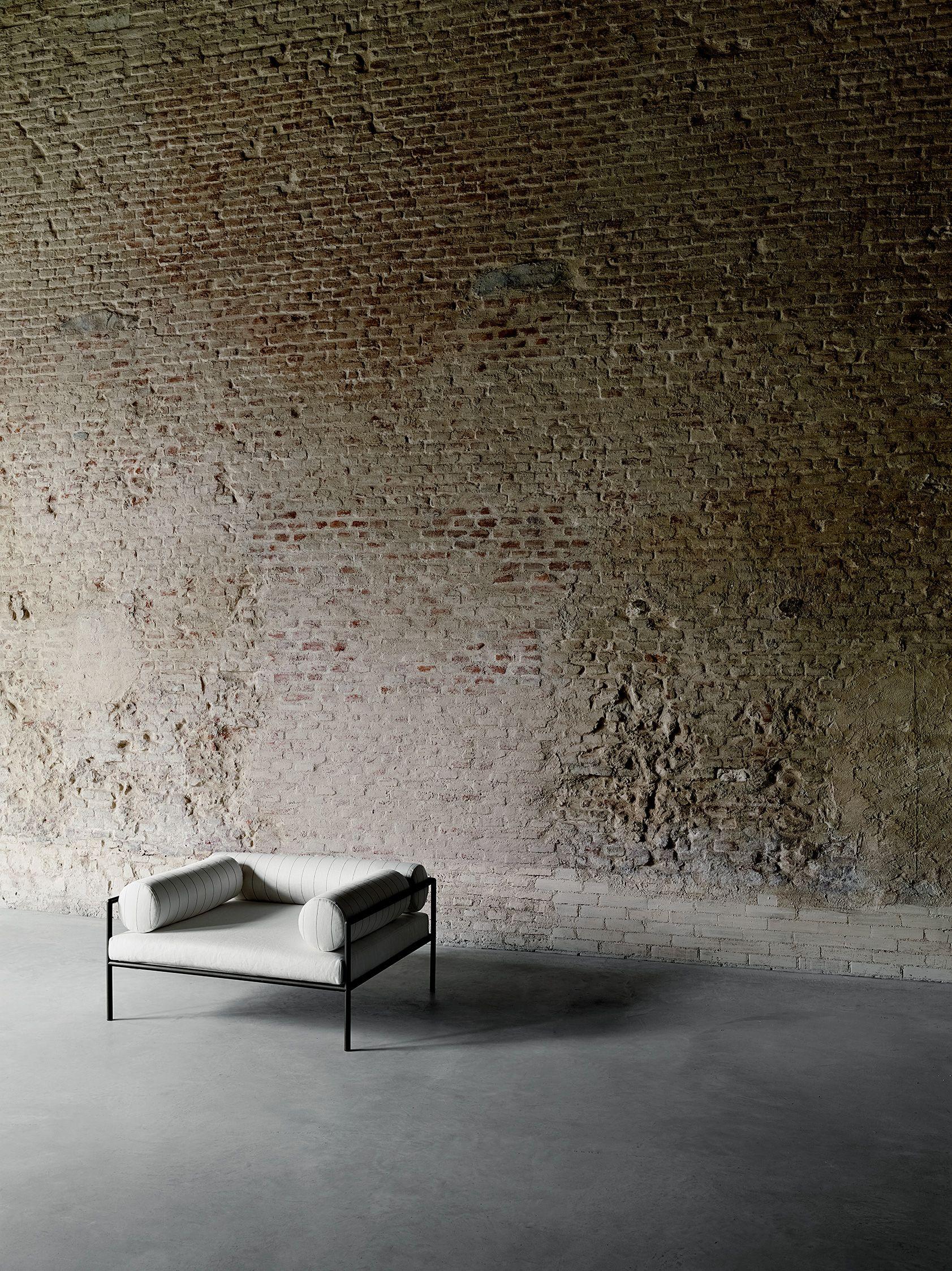 Agra Armchair Design David Lopez Quincoces Aero For Living Divani  # Muebles Lopez Y Lopez