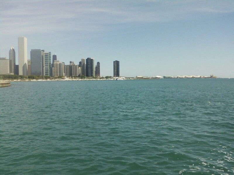 Far away picture of navy pier