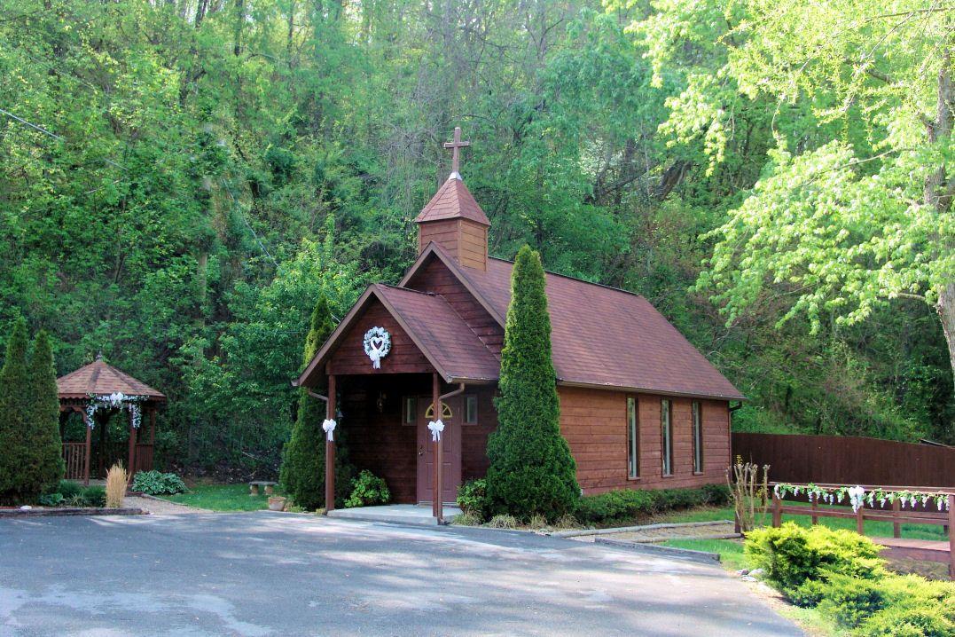 Smokey Mountain Wedding Chapel Quaint And Beautiful