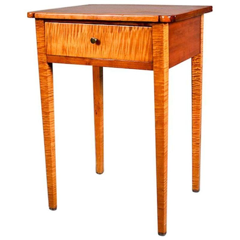 Antique Tiger Maple And Cherry Hepplewhite Single Drawer End Stand