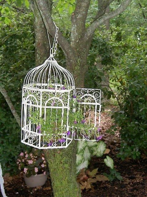 Ideas para decorar el jard n con jaulas vac as for Decoracion de jardines exteriores