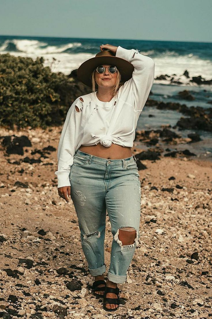 Photo of Distressed sweater top outfit summer | Hawaii beach outfit ideas | Hawaii packing list | Travel blog | Hawai… | Sweater tops outfit, Top summer outfits, Top outfits